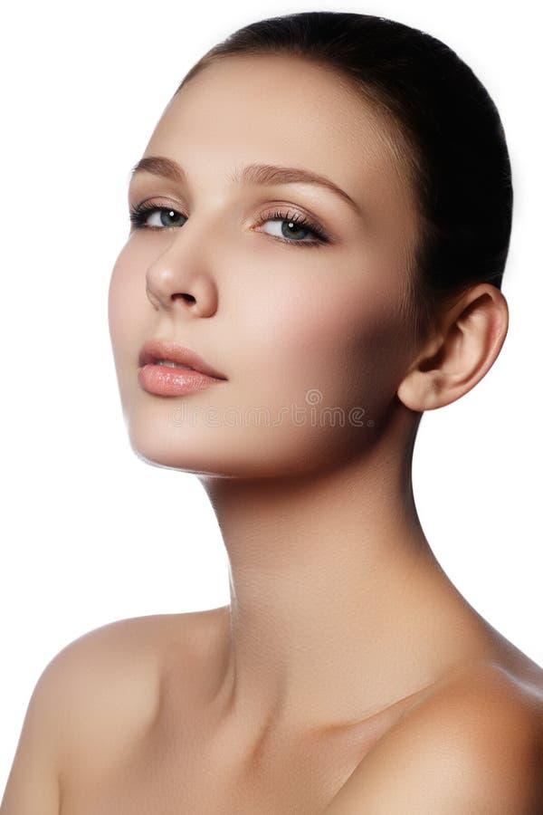 Samenstelling & schoonheidsmiddelen Close-upportret van mooie vrouw modelf stock foto
