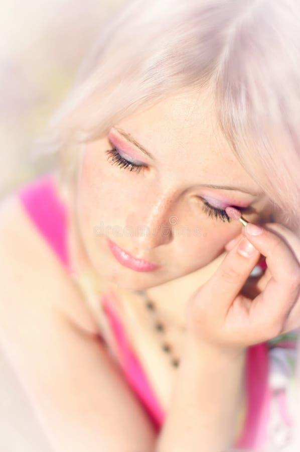 Samenstelling van de jonge mooie blonde royalty-vrije stock foto