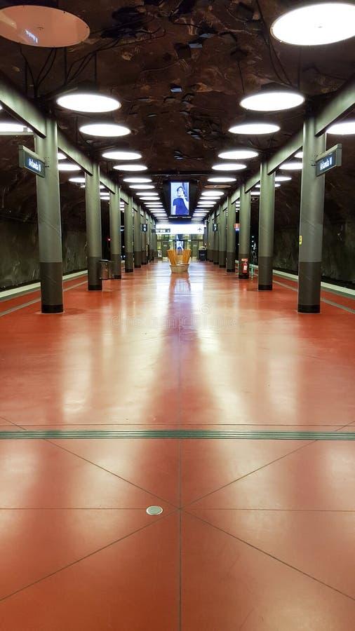 Samenvatting aangestoken metrogang stock foto's