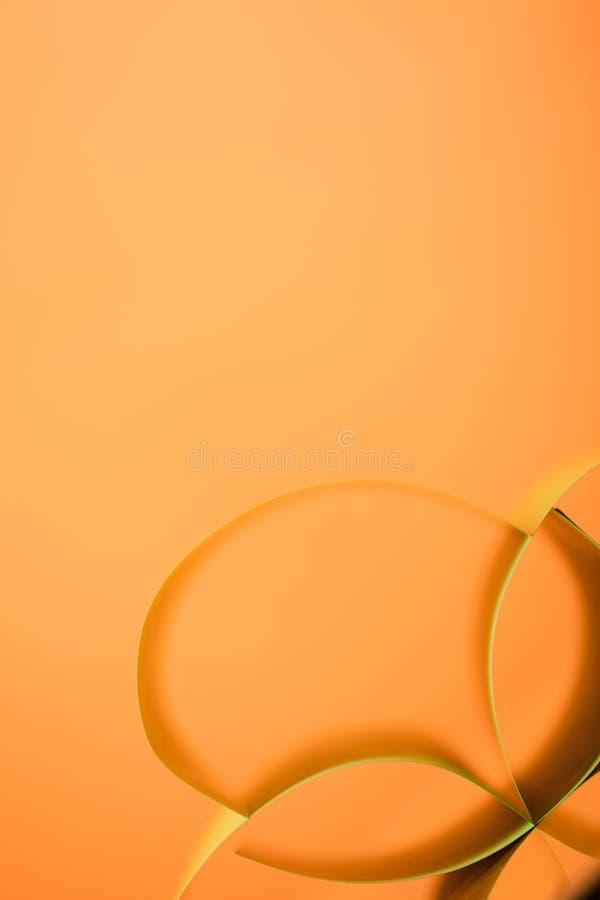 Samenvatting gekleurd document op gele achtergrond royalty-vrije stock afbeelding