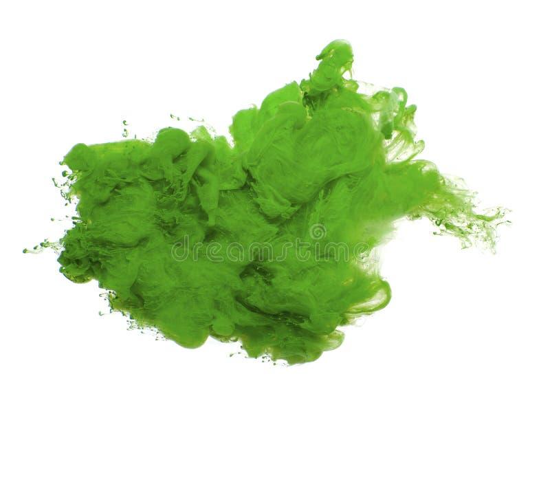Samenvatting van groene acrylverf in water royalty-vrije stock afbeeldingen