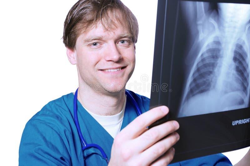 Samiec doktorski patrzeje xray obrazy stock