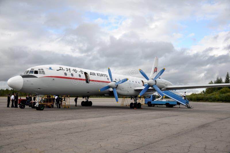 9/01/2018, Samjiyong, Corea del Nord: Il vecchio aeroplano russo a partire dagli anni 60 o dagli anni 70 ancora sta utilizzando r immagine stock