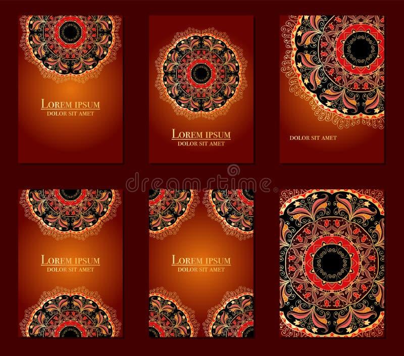 Samling av etniska kort, meny eller br?llopinbjudningar med den indiska prydnaden Dekorativa runda mandalabeståndsdelar för tappn royaltyfri fotografi