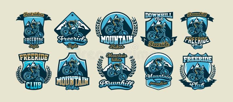 Samling av färgrika logoer, emblem, klistermärkeryttare som utför trick på en mountainbike på en bakgrund av berg vektor illustrationer