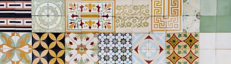 Samling av 9 keramiska tegelplattor royaltyfria foton