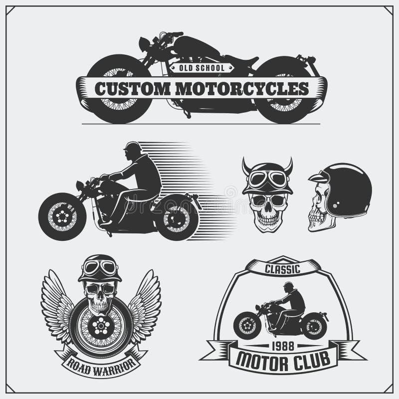 Samling av retro motorcykeletiketter, emblem, emblem och designbeståndsdelar tappning för stil för illustrationlilja röd royaltyfri illustrationer