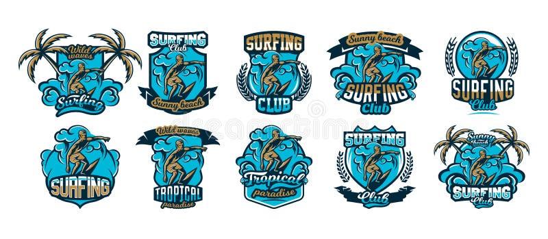 Samlingen, uppsättning, färgrika emblem, logoer, klistermärkear, surfare som driver på vågorna, kalifornisk strand, palmträd, royaltyfri illustrationer
