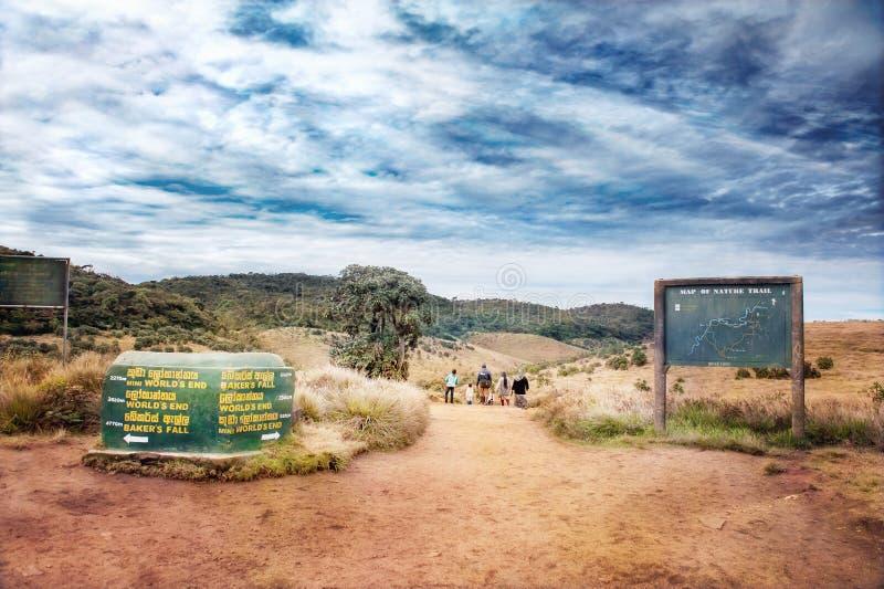 Sammanlänkningar och översikten till Horton Plains World ` s avslutar nationalparken royaltyfri bild