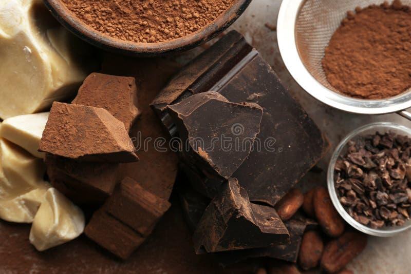 Sammansättning av kakaoprodukter royaltyfria bilder