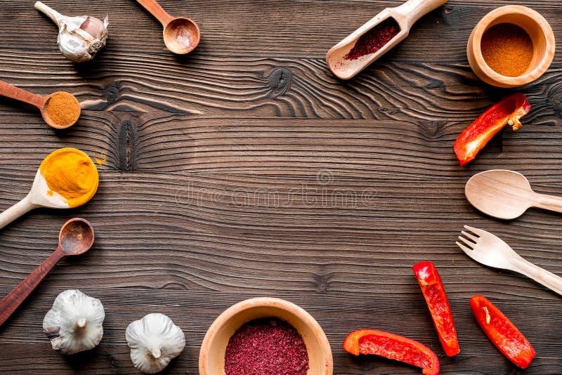 Sammansättning av matlagning bearbetar och kryddar utrymme för den bästa sikten för text royaltyfri fotografi