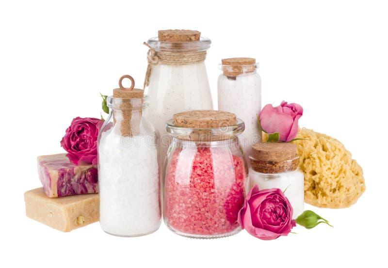 Sammansättning av skönhetsmedelflaskor och tvål som isoleras på vit bakgrund royaltyfria bilder