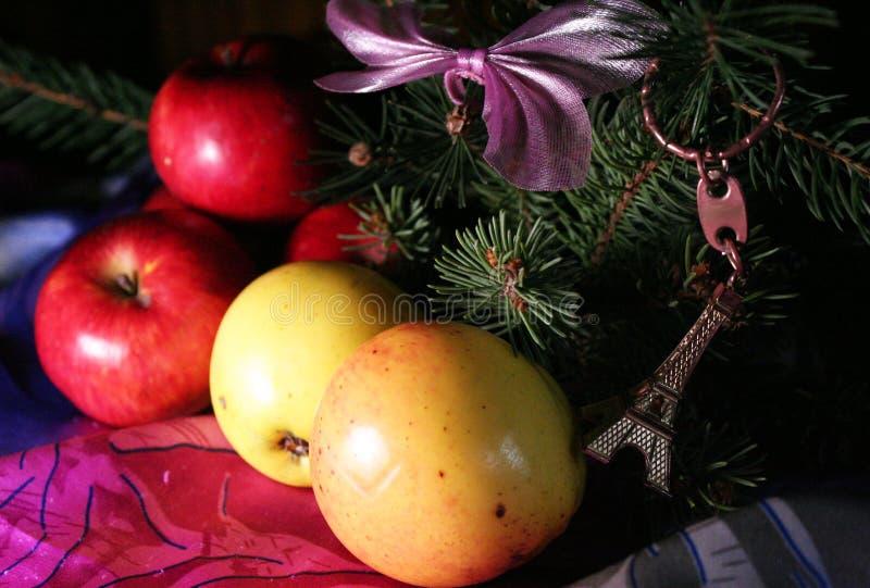 Sammansättning för nytt år för äpplen arkivbilder