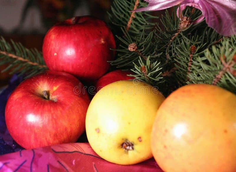 Sammansättning för nytt år för äpplen royaltyfri fotografi