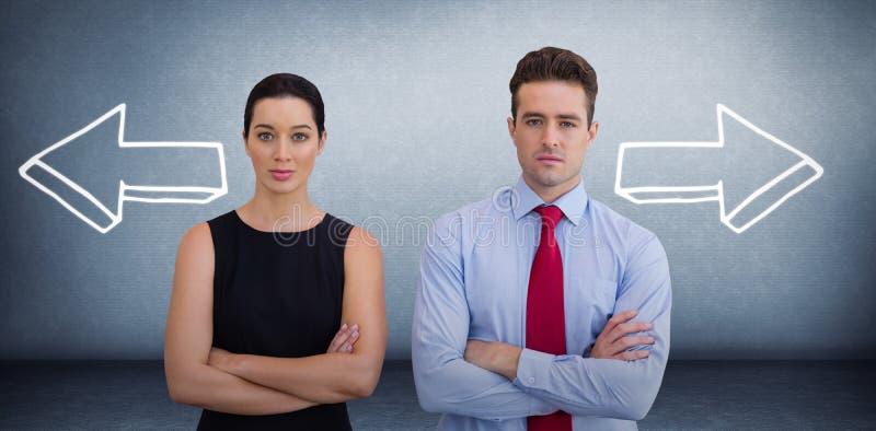 Sammansatt bild av affärskollegor som poserar med korsade armar arkivfoto