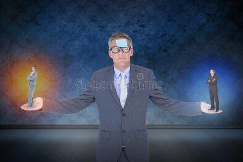 Sammansatt bild av affärskvinnaanseendet med vikta armar fotografering för bildbyråer