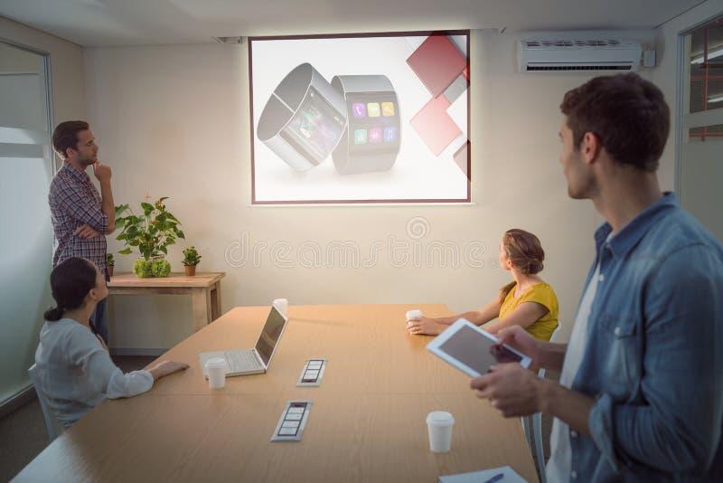 Sammansatt bild av app-kontot för smart klocka arkivfoton