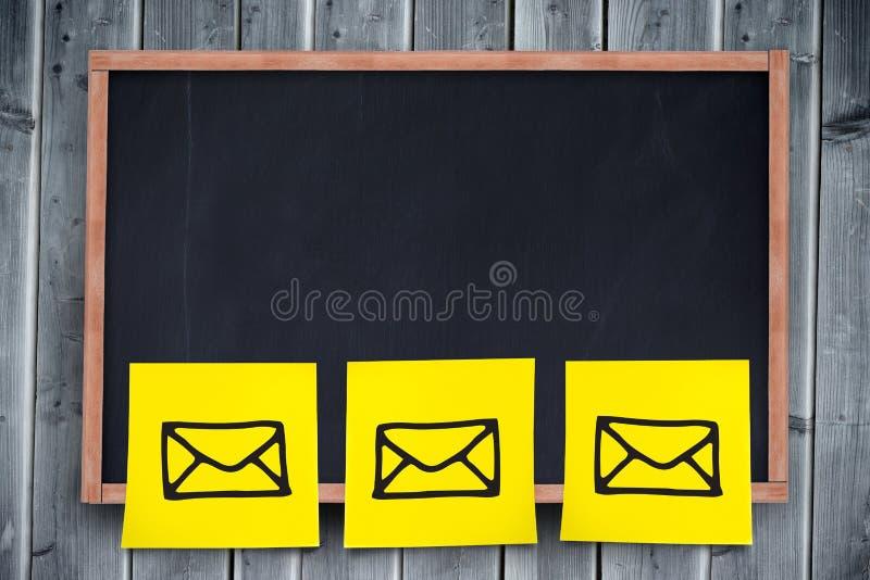 Sammansatt bild av den digitala sammansatta bilden av gult bindemedelpapper arkivbild