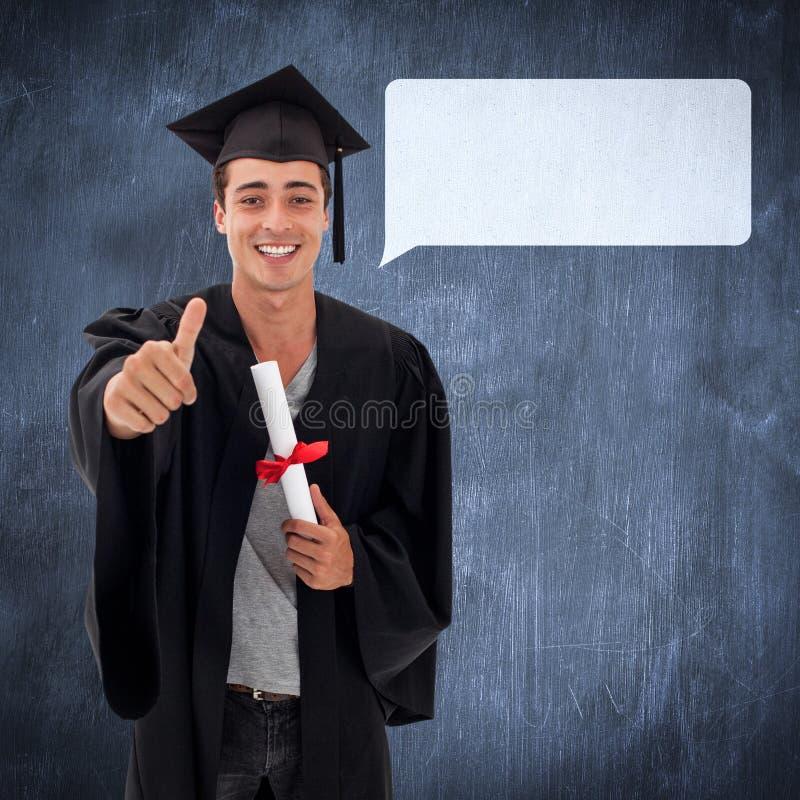 Sammansatt bild av den lyckliga tonåriga grabben som firar avläggande av examen arkivfoton