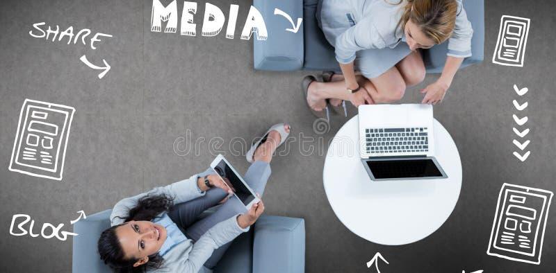 Sammansatt bild av den sammansatta bilden av den sociala massmediaprocessen vektor illustrationer