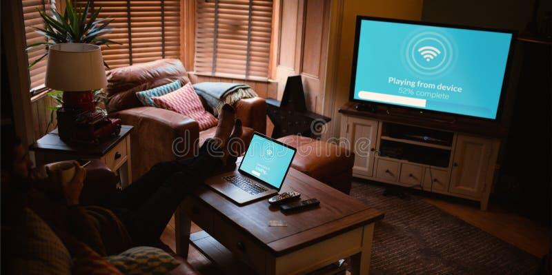 Sammansatt bild av den sammansatta bilden av text med symbolet wi-fi fotografering för bildbyråer