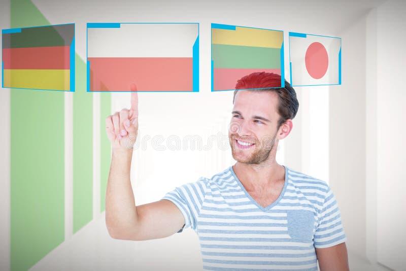 Sammansatt bild av den stiliga mannen som pekar på något arkivfoton