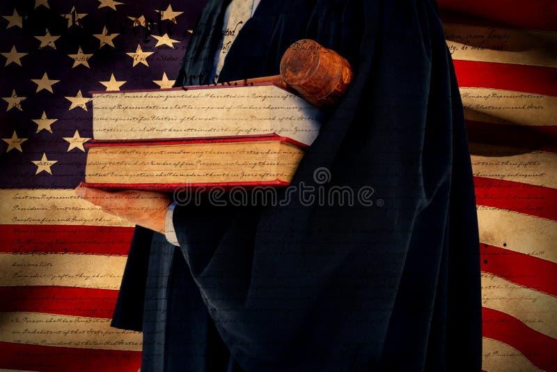 Sammansatt bild av hållande våg för advokat av rättvisa royaltyfri foto