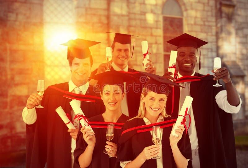 Sammansatt bild av lyckade vänner som står mot vit bakgrund vektor illustrationer