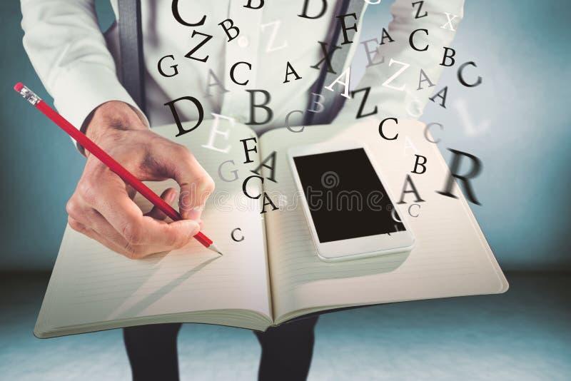 Sammansatt bild av mannen med mobiltelefonhandstil på boken arkivfoton