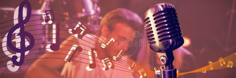 Sammansatt bild av närbilden av mikrofonen royaltyfri fotografi