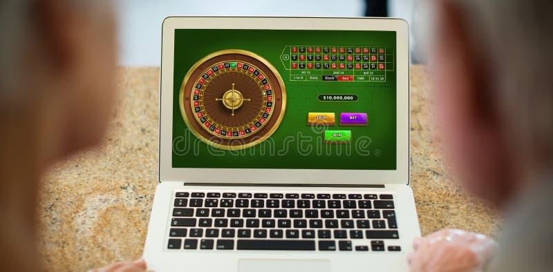 Sammansatt bild av online-roulettleken royaltyfri foto
