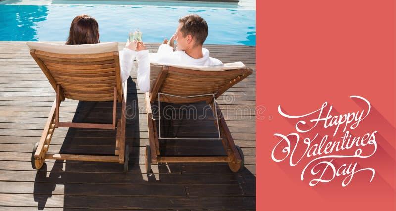 Sammansatt bild av par som rostar champagne av simbassängen royaltyfri fotografi