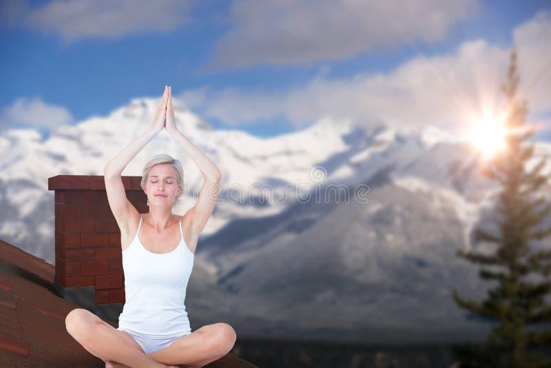 Sammansatt bild av passformkvinnan som gör yoga arkivbild