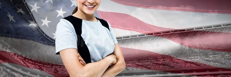 Sammansatt bild av ståenden av att le affärskvinnaanseende med korsade armar arkivfoto