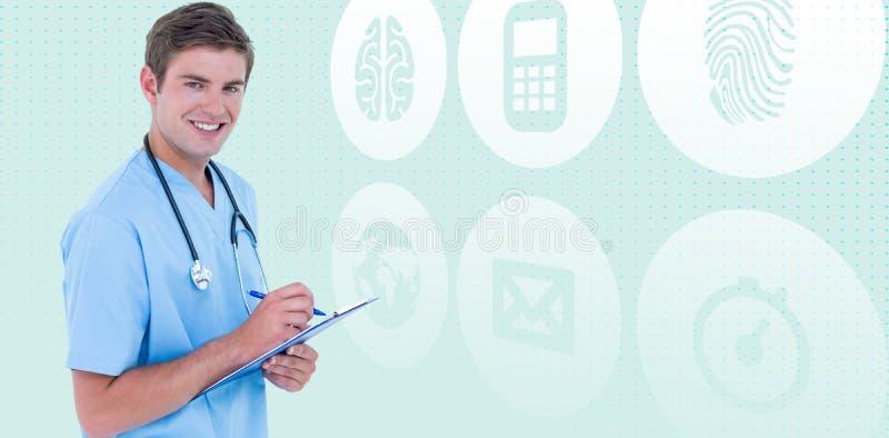 Sammansatt bild av ståenden av att le skrivplattan och pennan för doktor den hållande royaltyfri fotografi