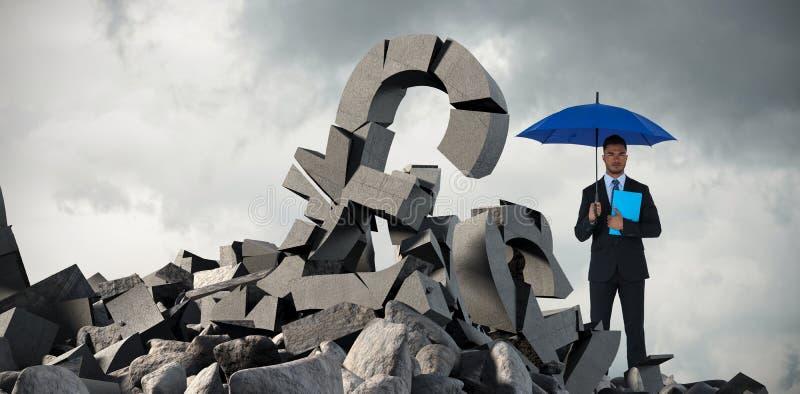Sammansatt bild av ståenden av det allvarliga paraplyet och mappen för affärsmaninnehavblått vektor illustrationer
