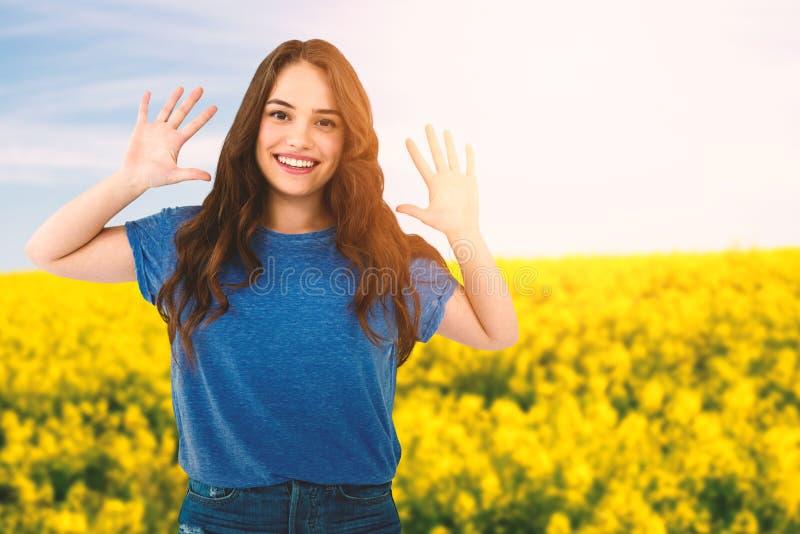 Sammansatt bild av ståenden av lyckligt kvinnligt göra en gest för modemodell arkivbilder