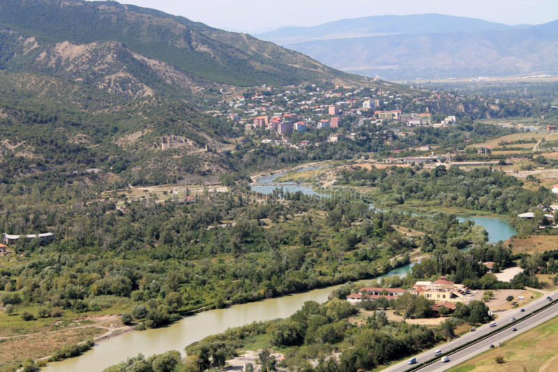 Sammanslagningen av två floder Mtskheta, Georgia royaltyfri bild