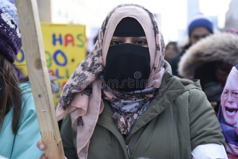 Sammeln Sie gegen Donald Trump-` s moslemisches Verbot in Toronto stockfotografie