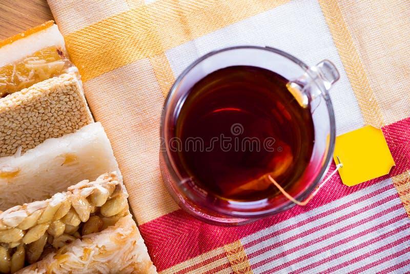 Sammlung Bohnen-Süßigkeiten und Bonbons Mawlid Halawa mit Cu stockbild