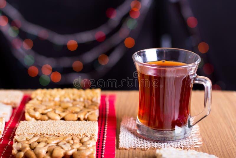 Sammlung Bohnen-Süßigkeiten und Bonbons Mawlid Halawa mit Cu lizenzfreies stockfoto