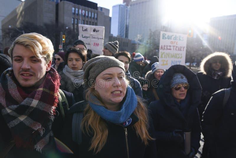 Sammlung gegen moslemisches Verbot in Toronto lizenzfreies stockbild