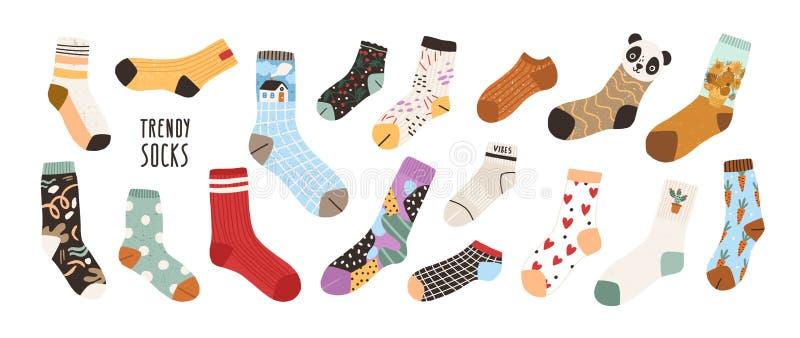 Sammlung stilvolle Baumwolle und woolen Socken mit verschiedenen Beschaffenheiten lokalisiert auf weißem Hintergrund Bündel von m vektor abbildung