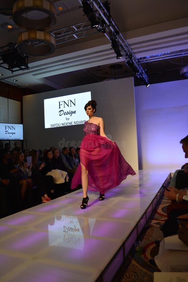 Sammlungen des Couture-Mode-Wochen-Fall-2016 stockfotos