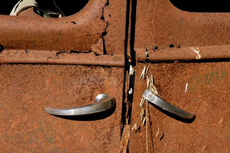 Samobójstw drzwi stary samochód zdjęcia royalty free