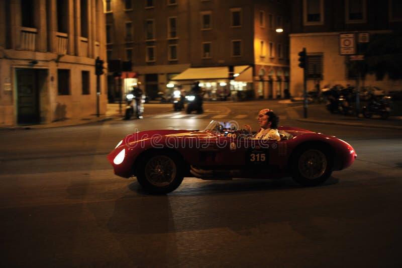 Samochód wyścigowy przy mille miglia zdjęcia royalty free
