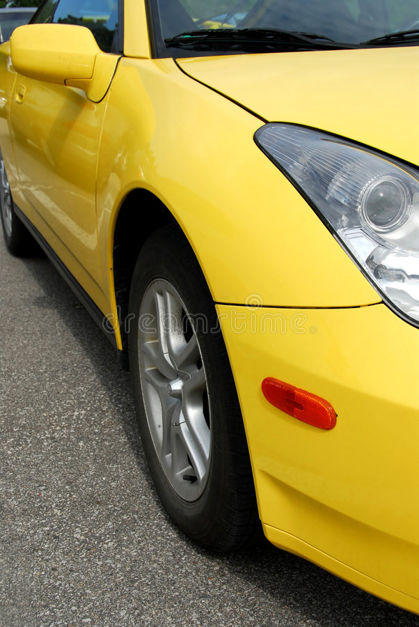 samochód imprezuj żółty obrazy royalty free