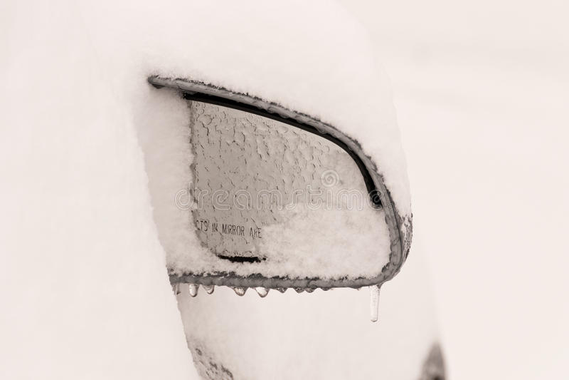 samochód marznący lustro zdjęcia stock