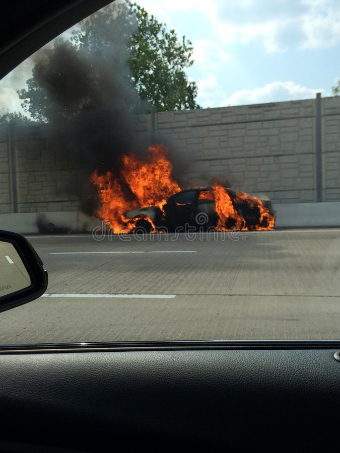 Samochód na ogieniu obrazy stock