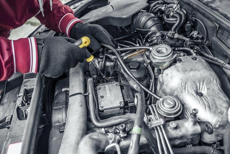 Samochód naprawa Pod kapiszonem samochód obraz royalty free